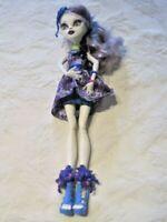 Monster High Gloom & Bloom Catrine DeMew Doll