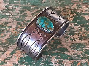 GREAT HEAVY OLDER GREG LEWIS ACOMA LAGUNA  SILVER AND TURQUOISE BRACELET N R.