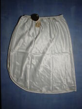 """Vintage Farr West 151 Anti-Cling Half Slip Size Small 21"""" in White"""