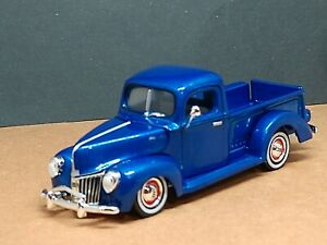 '40 FORD PICKUP TRUCK ADULT COLLECTIBLE VINTAGE 1/64  LIMITED EDITION CLASSIC BL
