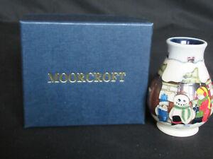 Moorcroft Christmas Morning Vase (3¾ inches - boxed))