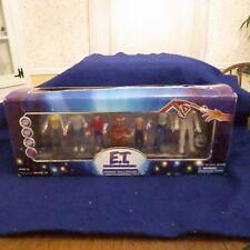 TOYS R US EXCLUSIVE E.T. The Extra Terrestrial Limited Edition Figure Collection