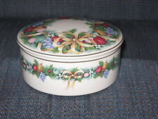 MIKASA CHINA  CHRISTMAS BOUQUET COVERED VANITY / TRINKET BOX   #UT071 / 683