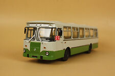 1/43 Russian Ussr Bus Liaz 677M 677 M bus diecast model car white/green color
