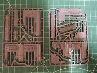 40k terrain. Sector Mechanicus: ruined walls and pillars double sprue