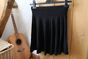 H & M Ladies Soft Comfortable Black Skirt size Extra Small approx 6 - 8