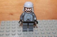 Lego Star Wars - Imperial Soldat Figur AT-AT Commander mit Helm aus Set 9509