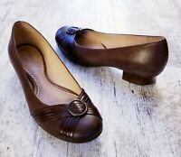 Clarks Artisan Womens Size 7.5 M Brown Leather Slip On Low Heel Comfort Loafers