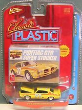 JOHNNY LIGHTNING CLASSIC PLASTIC R1 PONTIAC GTO SUPER STOCKER
