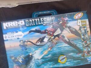 KRE-O Create It Battleship Alien Strike (38955) 277 pieces Block toy 4 figurines