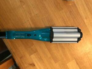 blue crimping/wavy hair iron