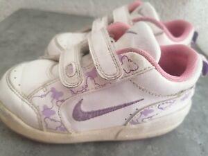 Nike Mädchenschuhe 24