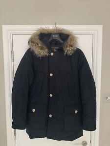Woolrich Black Arctic Parka - detachable Fur Collar Size EU Large - RRP £725.00.