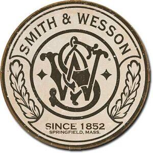 "Smith & Wesson 12"" Round Tin Sign Nostalgic Metal Sign Gun Retro Home Wall Decor"
