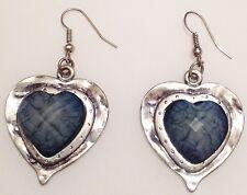boucles d'oreilles percés couleur argent coeur cabochon facette bleue 425