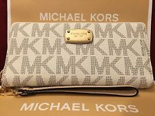 NWT MICHAEL KORS JET SET PVC TRAVEL CONTINENTAL WALLET/WRISTLET IN VANILLA