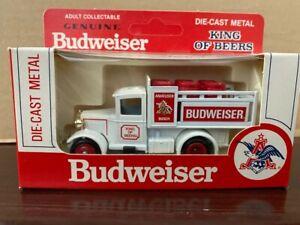 Lledo Days Gone By  / Hartoy Budweiser Die cast Beer Truck 1/64 Scale