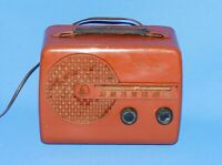 VINTAGE 1960'S EMERSON MODEL 646 SERIES B TUBE RADIO