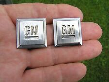 GENUINE GM PAIR EMBLEMS BADGES Suit Chevrolet Cadillac Buick Pontiac