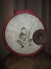 ANCIEN TAMBOUR ENFANT ANNEE 40 SINGE MUSICIEN