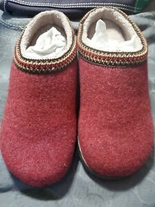 NEW LL BEAN Women's Deepest Red Wool Wicked Good Slippers Clogs Size 9 M
