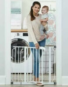 Regalo 1160 Easy Fit Baby Safety Gate - White