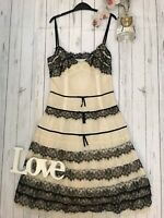 Karen Millen Size 8 cream black lace party occasion dress fit and flare stunning