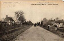 CPA  Env. de Saint-Planchers-Saint-Aurin-des-Préaux-La Route d'Avranches(589531)