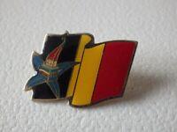 Pin's vintage Collector épinglette publicitaire drapeau Lot L110
