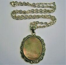 J138:) M&S Marcasite Green red Mother of pearl shell pendant chain necklace