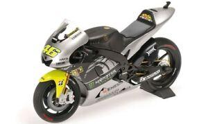 122133956 MINICHAMPS 1:12 Yamaha YZR-M1 Valentino Rossi Test Bike Sepang