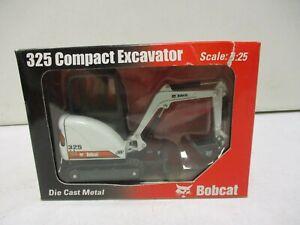 IR Bobcat 325 Compact Excavator 1/25