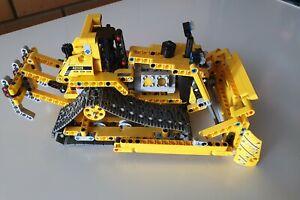 LEGO Technic 42028 Bulldozer Set