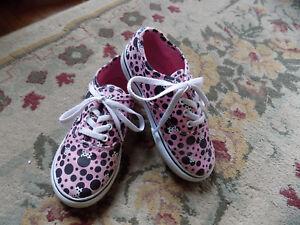 Vans x Disney Minnie Mouse Polka Dots Pink Black Girls Shoes Sz 10 VGUC Clean!
