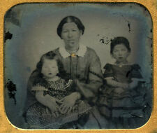 TINTYPE STUDIO PORTRAIT IN CASE YOUNG MOTHER W/ GOLD BROACH + 2 LITTLE GIRLS