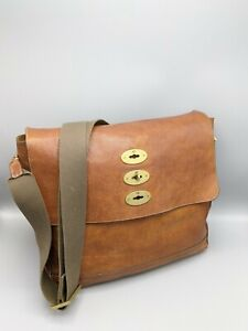 Mulberry Large Brynmore Messenger Bag / Laptop / Briefcase in Oak Leather
