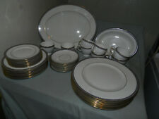 Wedgwood Palatia 8 Place Setting Dinnerware plus Serving pieces 42 pieces