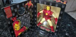 Marvel Famous Cover Series The Invincible Iron Man Figure ToyBiz