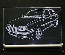 Opel Kadett E snow como auto grabado en LED escudo GSI GL