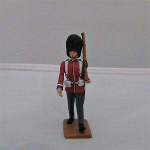 BG03 King And Country British Scots Guard Marching Retired NEW