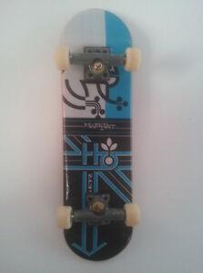 "TECH DECK - Miniature Skateboard x1 - ""KERRY GETZ"" HABITAT - Fingerboard"