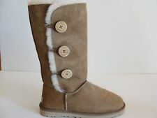 UGG BAILEY BUTTON TRIPLET BOOTS WOMEN SIZE 7 US CHESTNUT