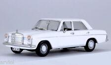 MERCEDES - BENZ 220/8 W115 white ( 1973 ) -- 1/43 -- IXO/IST -- NEW