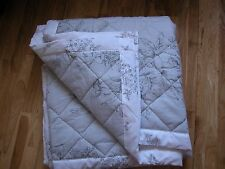 NEXT GREY FLORAL VINTAGE REVERSIBLE THROW QUILTED Goes Bed set 150X200CM