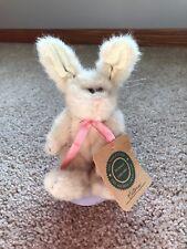 """Rare Boyds Rabbit """"Victoria�"""