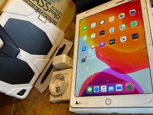 Apple iPad Air 2 (16gb) Wi-Fi (A1566) Retina 9.7in/ Gold: Fractured {iOS13}90%