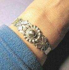 Vtg. Fred Harvey Era 900 Coin Silver Cuff Bracelet w/ Dome & Arrows