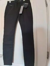BNWT trendy Calvin Klein for Womens Skinny Mid Rise Jeans Black W28 L32