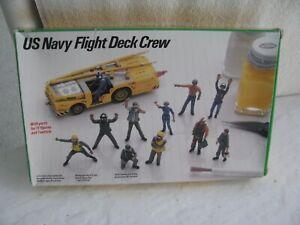 toy soldier-  1/72- US Navy Flight Deck Crew