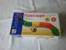 Selecta Holz Spielzeug Fädelraupe Fädel Spiel  Kinderspielzeug, ab 3 Jahre
